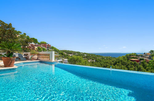 Exclusive villa with stunning panoramic sea views