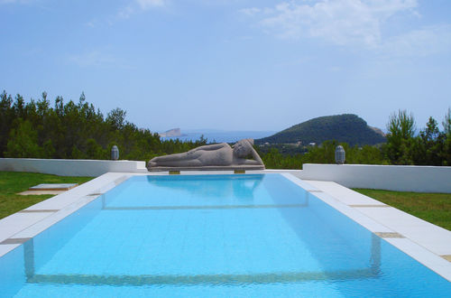 Unique luxury residence with a fabulous pool area in Cala Jondal