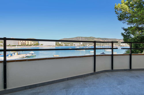 Fantastic view - modern apartment frontline to the Sea