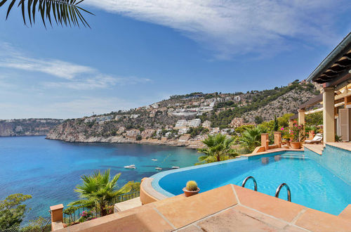 Magnificent frontline property in Cala Llamp