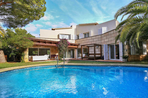 Family villa in quiet area of Costa d'en Blanes