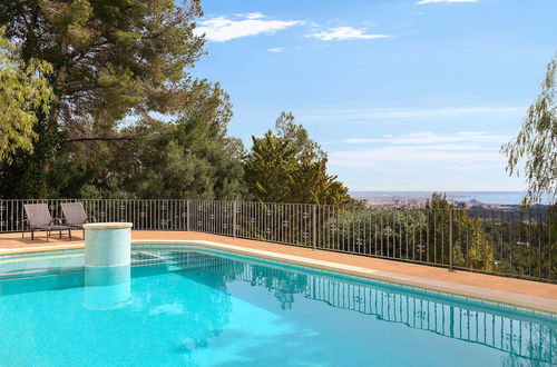 Exclusive villa in Son Vida with panoramic views up to the sea