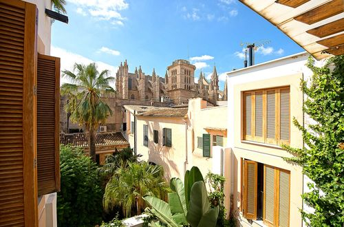 Magnificent townhouse with views over the rooftops of Palma