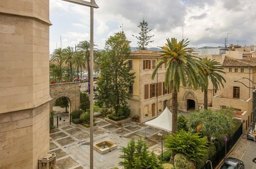Townhouse in Palma's district La Lonja: 4 apartments and private roof terrace