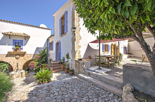Exquisite renovated finca with lots of character