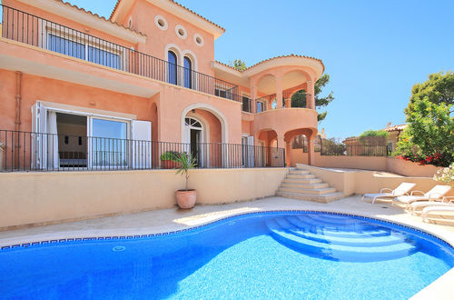 Fantastic villa with superb pool area and stunning view over the landscape and the open sea