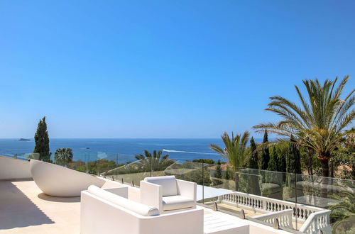 Newly renovated villa with panoramic sea views