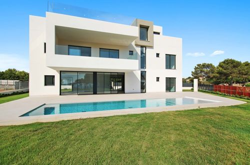 New luxury villa with stunning sea views