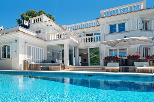 First class sea view villa in a prime location