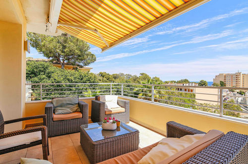 Modern family villa with guest apartment in Cala Vinyas