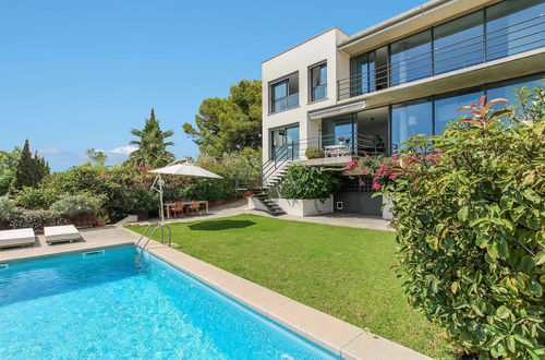 Modern villa with pool and stunning sea views in Bonanova