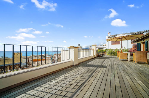 Outstanding penthouse with a very large sea view terrace