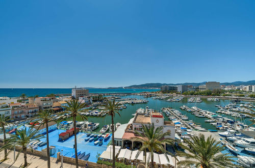 Top investment opportunity - frontline penthouse in Portixol