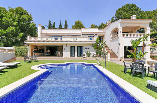 Gorgeous family villa with fantastic roof terrace in Costa de la Calma