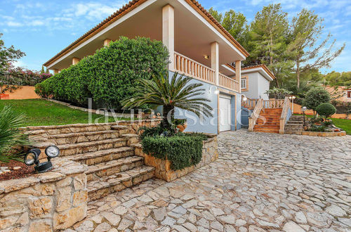 Very private villa on an approx. 1340m2 plot in Cas Catala