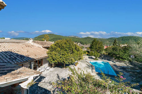 Finca in traditional style with excellent views over the Serra Tramuntana