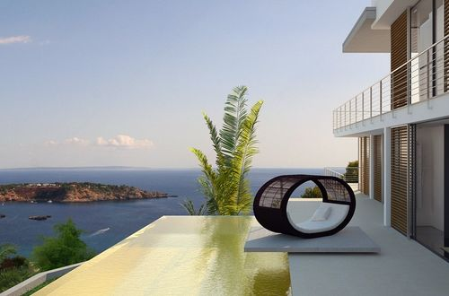 Newly built luxury property with overwhelming panoramic sea view